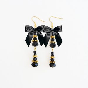 Carry on Sparkling Black Crystal Earrings